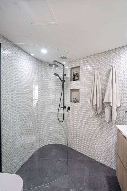 Main Beach Ensuite Bathroom Renovations 8285